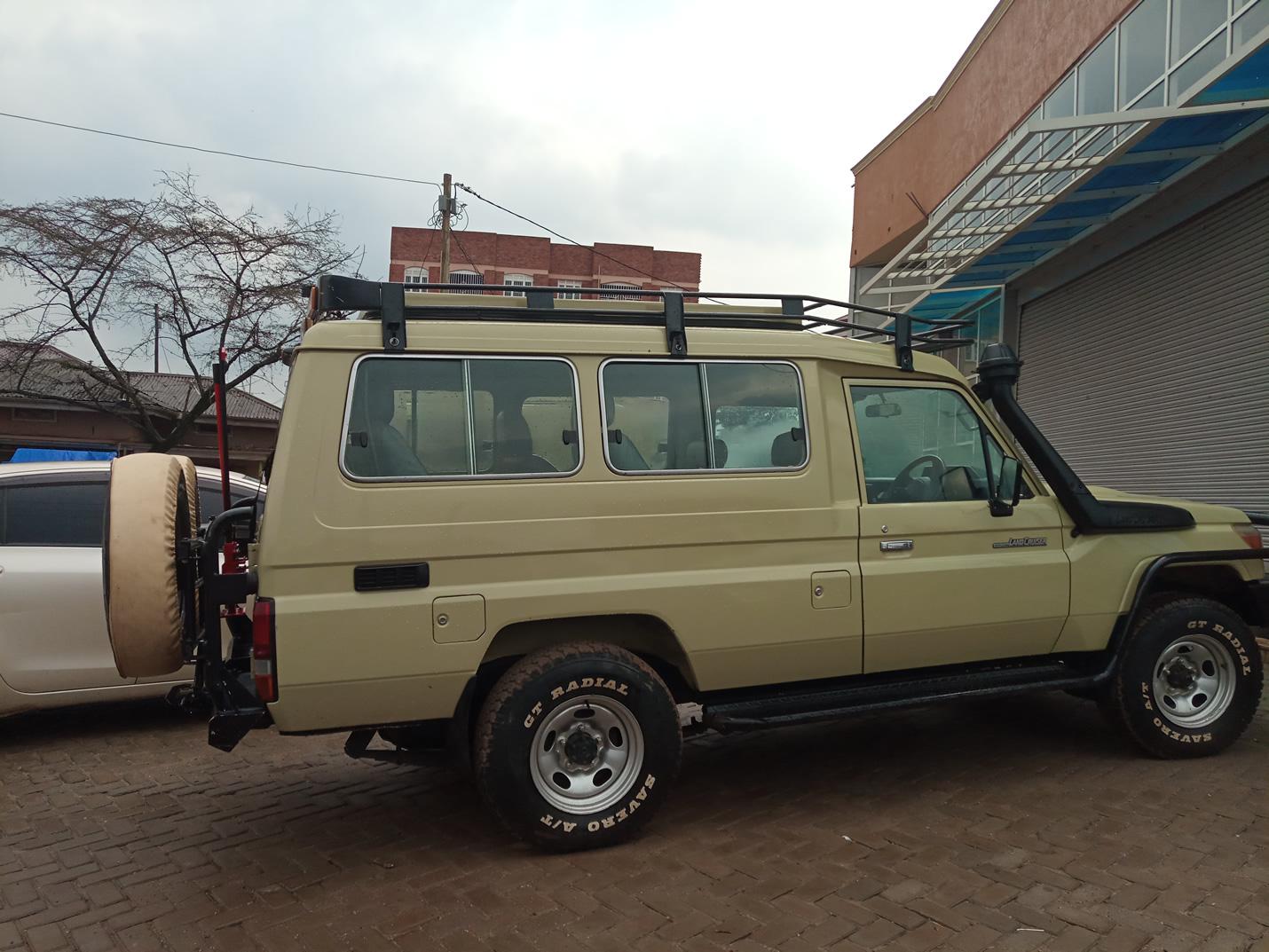 Land Cruiser for Safari